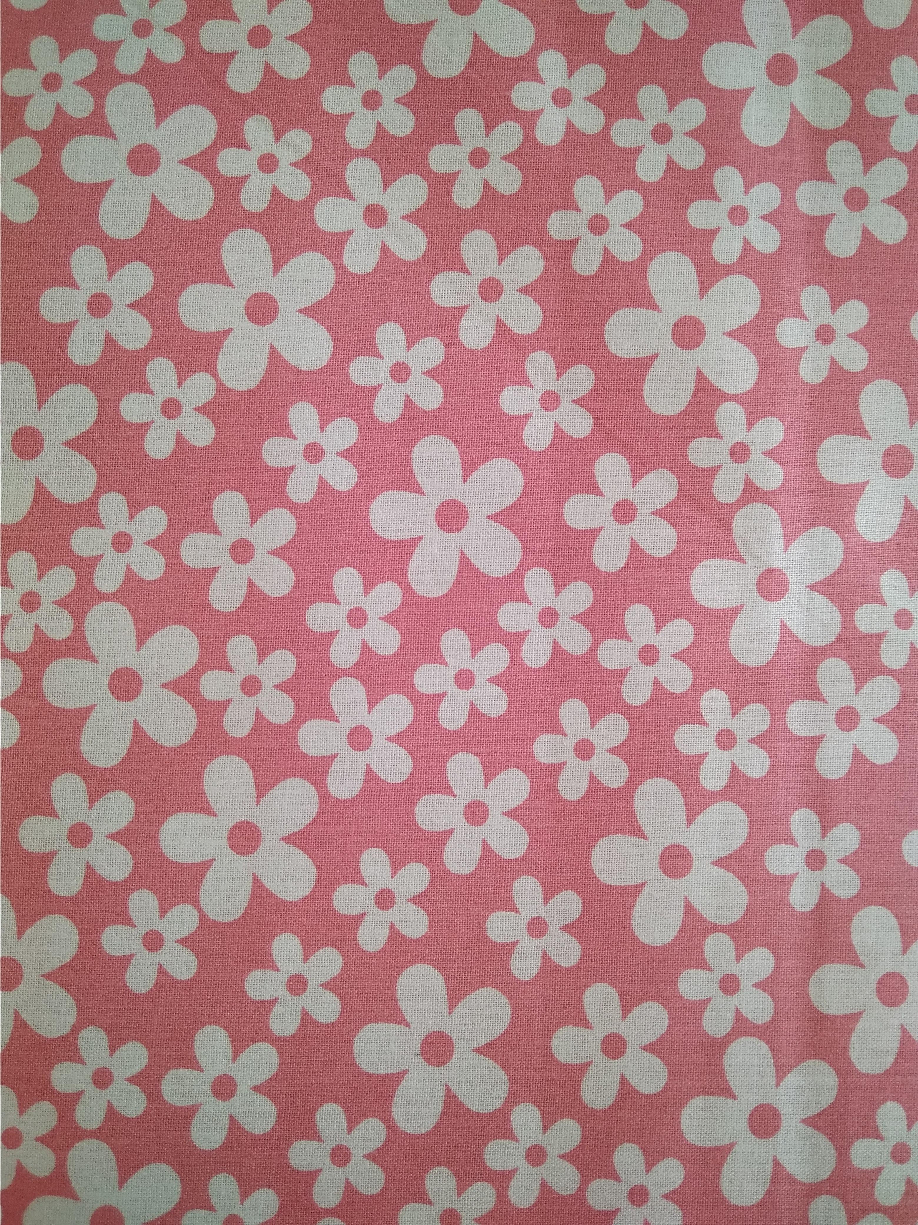a2fdda610df0 bílé kytičky na růžové
